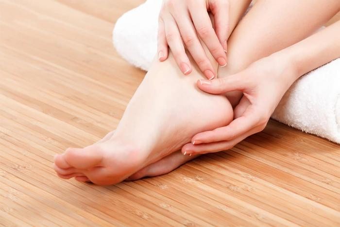 Dolore sul dorso del piede dopo la corsa: ecco da cosa può dipendere