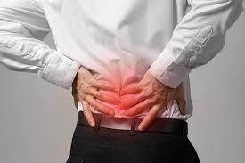 5 esercizi da fare e 5 da evitare in caso di lombalgia